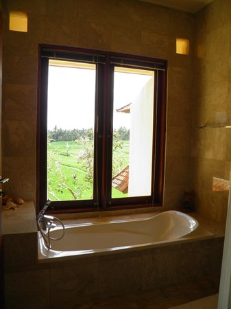 Green Field Hotel and Bungalows: Bañera