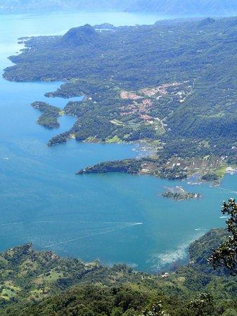 Posada de Santiago : The lake