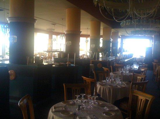 Hotel Las Piramides: Main Dining Room