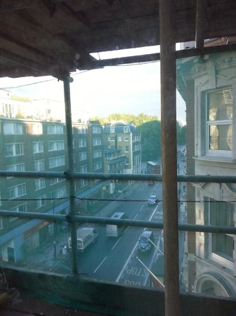 Thistle Bloomsbury Park: Looking out of the room, through the scaffolding, onto the main road, below.