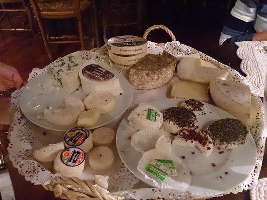 Ou Ravi Prouvencau : Cheese plate