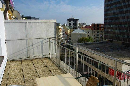 Hostel Blues: The roof terrace