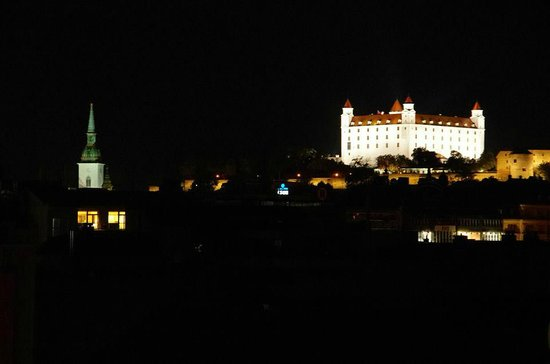 Hostel Blues: Nighttime view from the roof terrace