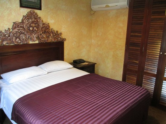 Howard Johnson Inn Guatemala City: most comfortable bed ever