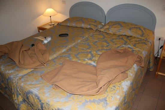 Palazzo Ricasoli Residence: letti con coperte aggiuntive