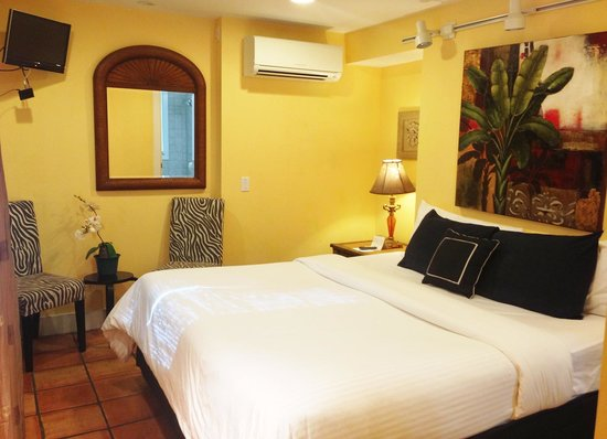 Wicker Guesthouse: Our room