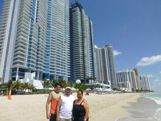 Miami Beach Fl Disfrutando Del Sol La Arena Y El Mar