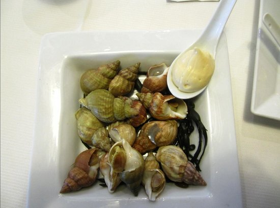 Le Phare Restaurant : Lovely, simple presentation which showed off the natural beauty of the food.