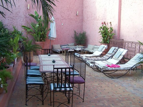 Riad El Ma: terrasse sur le toit