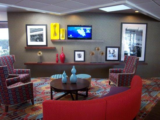 Hampton Inn Daytona Speedway / Airport : Our new lobby!
