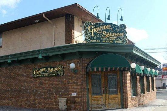 Grande saloon