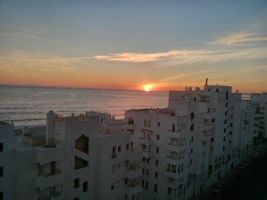 Hotel Atismar : Sunset from room 907