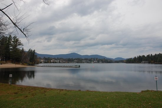 Hampton Inn & Suites Lake Placid: View from breakfast area