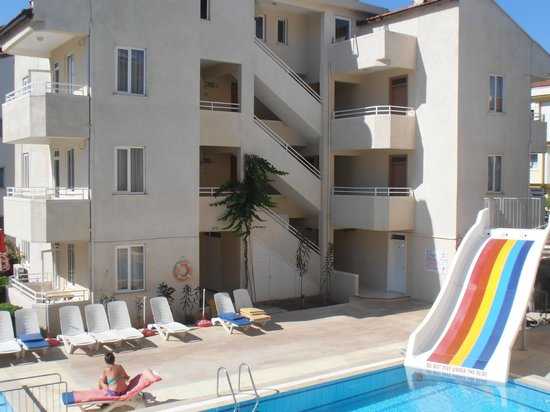 Mar Soleil Apartments: Room 26 left - Room 27 right (Ground Floor)