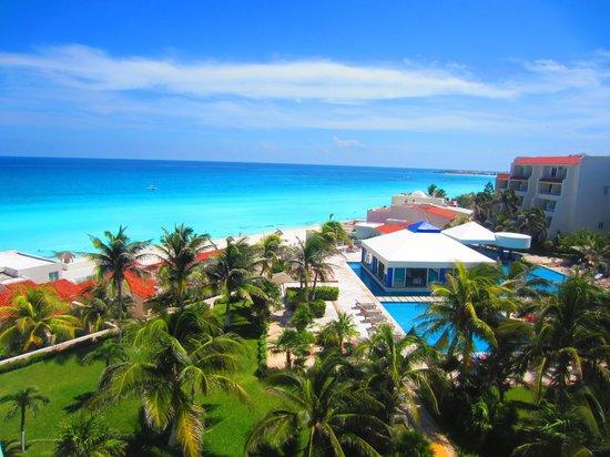 Solymar Cancun Beach Resort: вид из номера с пятого этажа