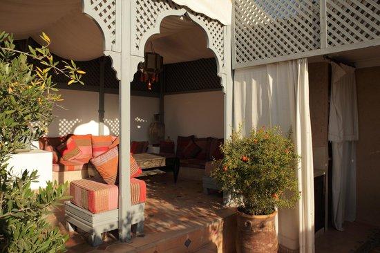 RIad Al Loune : Social area