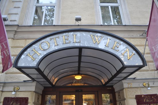 Austria Classic Hotel Wien : Outside entrace