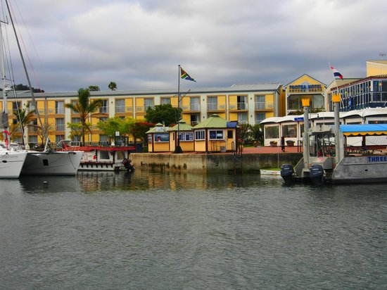 Protea Hotel by Marriott Knysna Quays: Hotel view from the water