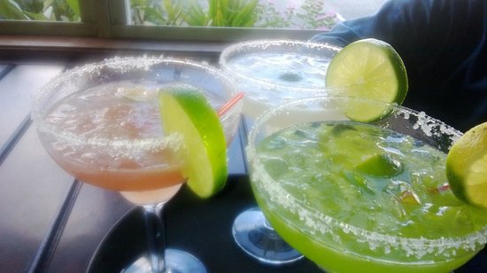 Mis Amigos : Another pic of the trio of Margs