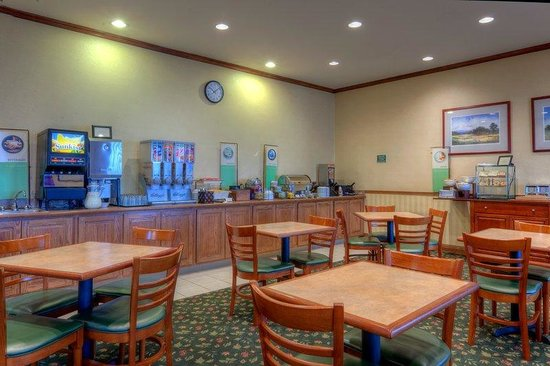 Country Inn & Suites By Carlson, Winchester: CountryInn&Suites Winchester BreakfastRoom