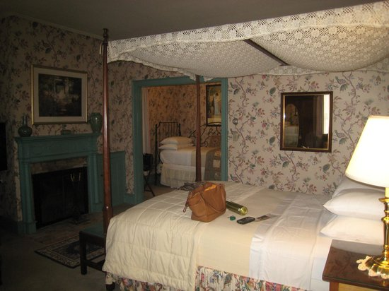 Inn at Montpelier : Partial view of room #2