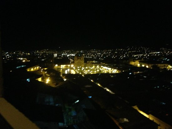 Hostal Wara Wara: View of Cuzco square at night