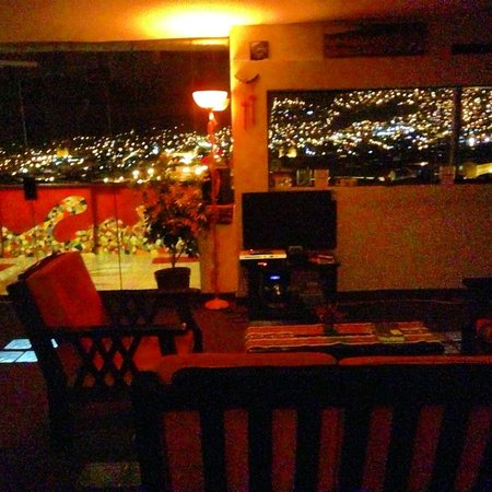 Hostal Wara Wara: Nice view at night