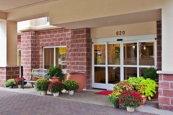 Hampton Inn Clifton Park : Front Entry