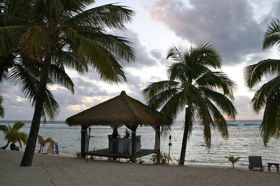 Crown Beach Resort & Spa: Dinner on the beach