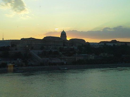 Budapest Marriott Hotel: Wonderful sunset