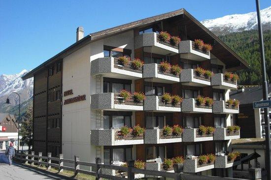 Ambassador Hotel Zermatt : Vista geral do hotel