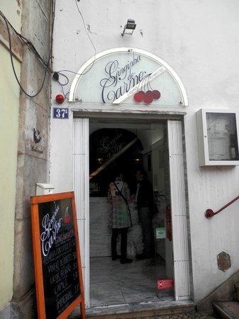 Ginginha do Carmo : outside