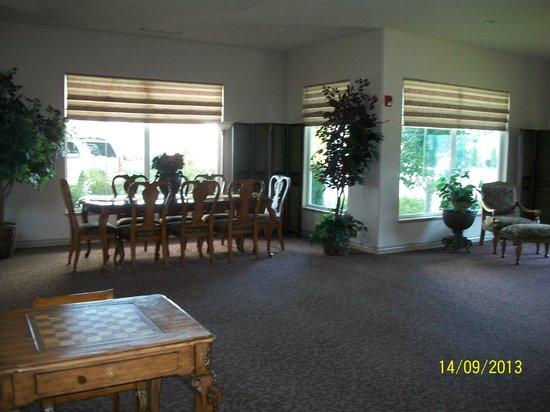 Le Ritz Hotel & Suites : Lobby