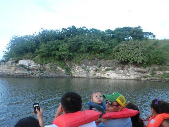 Puerto Salvador Allende: Isla del Amor
