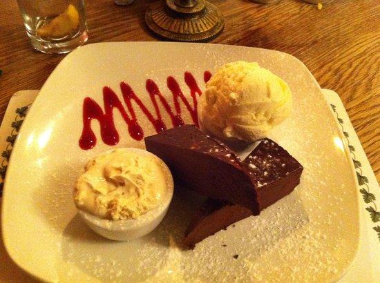 The Bell Inn: chocolate tort