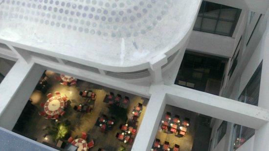 Appart'City Confort Lyon Part-Dieu: vue de ma chambre (intérieur de l'hôtel)