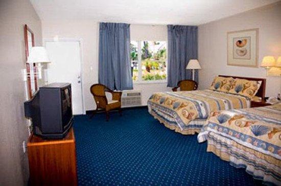 Indian Harbour Beachside Hotel: room