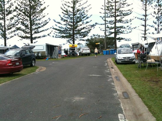 Broadwater Tourist Park: Wide roads, easy van parking, great beach access.