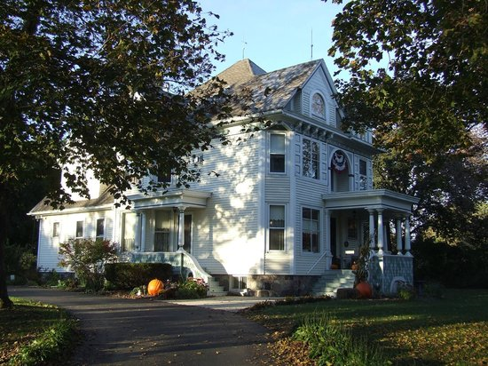 Pedal'rs Inn Bed and Breakfast : Victorian gem