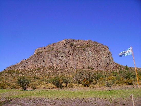 Cavernas del Viejo Volcan Parque Cerro Leones: EL cerro