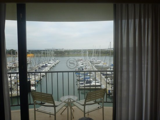 The Sheraton San Diego Hotel & Marina : Looking out of room