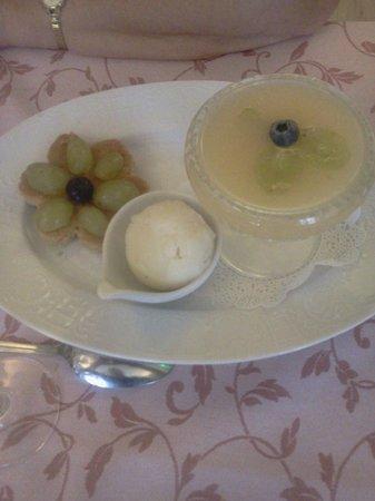 A La Table du Bon Roi Stanislas: dessert aux fruits