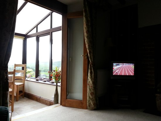 Penybryn Farmhouse : sitting room / conservatory