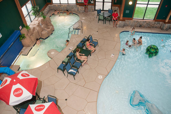 The Waters of Minocqua: Indoor Outdoor Hot tub and kiddie pool