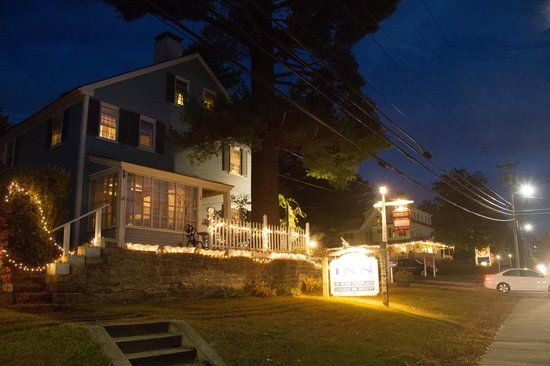 1768 Country Inn: At Night From Main Street