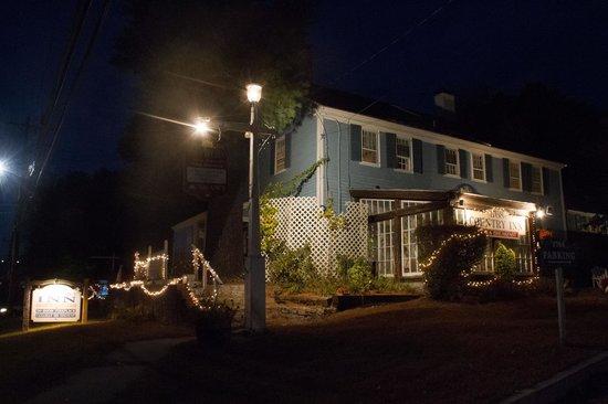 1768 Country Inn: At Night Near Entrance