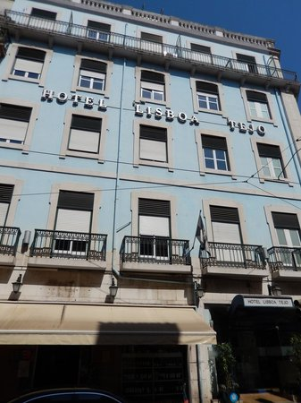 Lisboa Tejo: Front of hotel