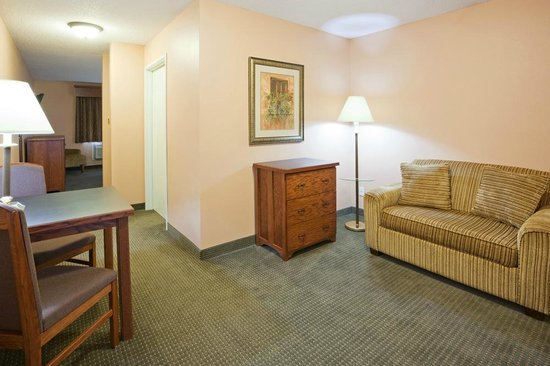 GrandStay Hotel & Suites Perham, MN: King Executive Suite