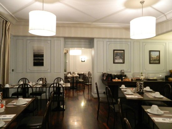Grand Hotel de Tours: Breakfast room for independent travellers