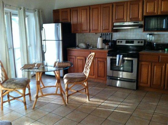 Xanadu Island Resort : kitchen in suite #3